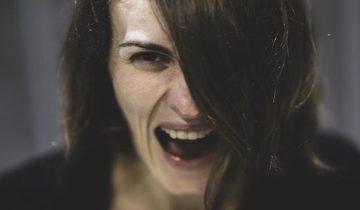 Non gridare - il tono di voce nei comunicati